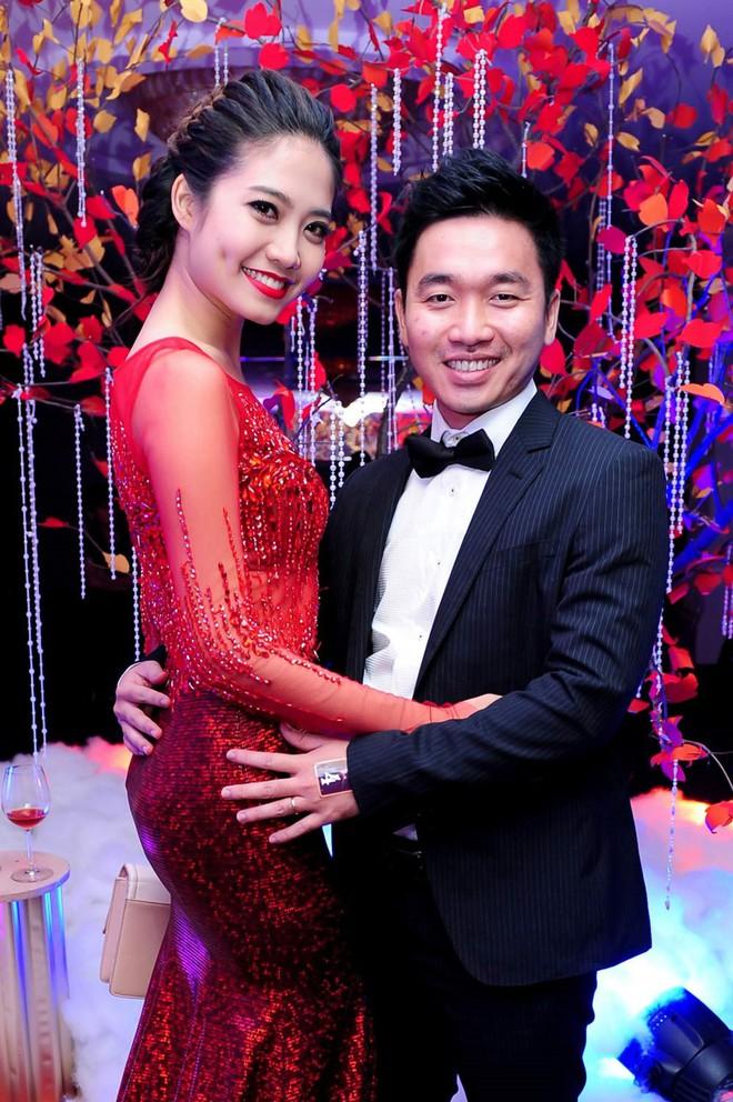 Chồng đại gia của Hoa hậu Biển Ninh Hoàng Ngân ngồi ghế nóng gameshow  - Ảnh 2.