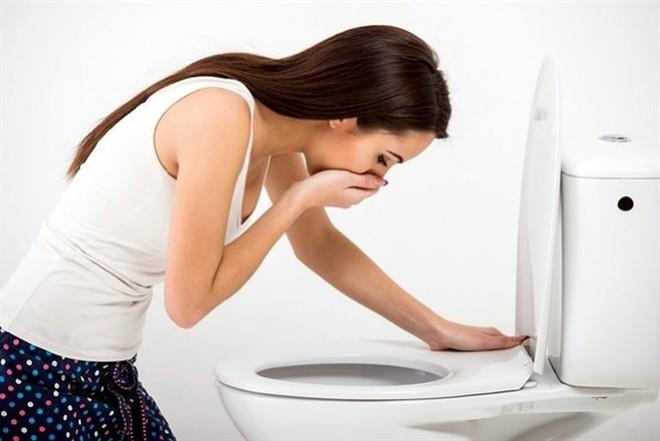 Cắt xén cơm, thịt để giảm cân: 5 hệ lụy nguy hiểm mà bạn phải đối mặt nếu áp dụng sai - Ảnh 2.