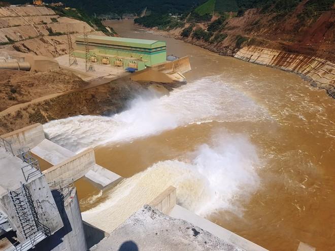 Vết sạt trượt có ảnh hưởng đến an toàn đập thủy điện Trung Sơn? - Ảnh 3.