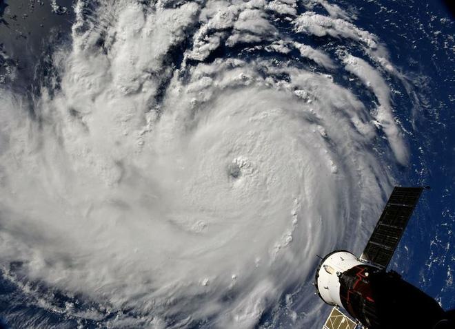 Từ trạm vũ trụ, phi hành gia vẫn rùng mình vì bão Florence - Ảnh 5.
