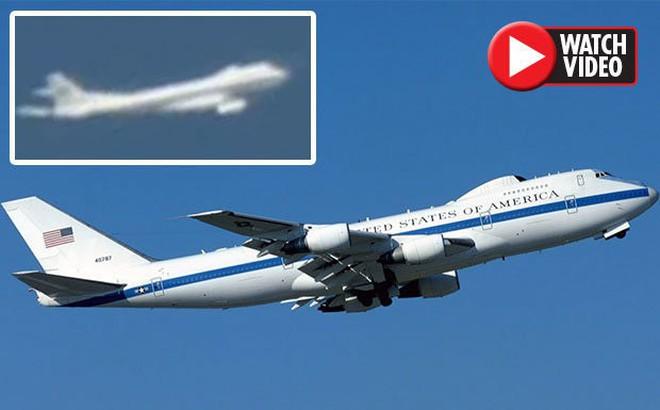 Thực hư chiếc máy bay bí ẩn lượn trên Nhà Trắng ngày 11/9/2001