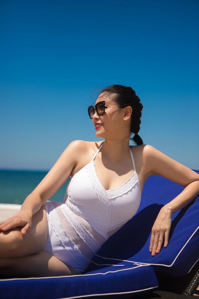 Ở tuổi 42, hoa hậu Hà Kiều Anh vẫn tự tin diện bikini nóng bỏng - Ảnh 7.