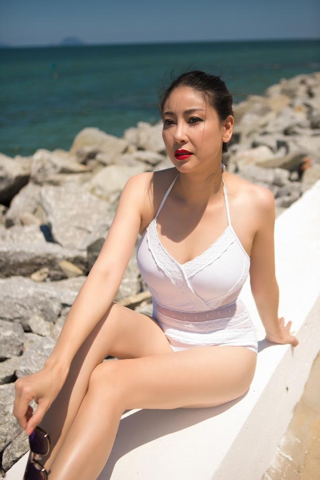 Ở tuổi 42, hoa hậu Hà Kiều Anh vẫn tự tin diện bikini nóng bỏng - Ảnh 6.