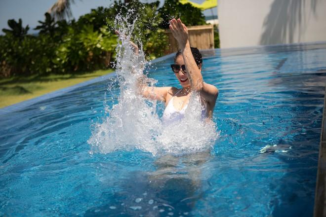 Ở tuổi 42, hoa hậu Hà Kiều Anh vẫn tự tin diện bikini nóng bỏng - Ảnh 3.