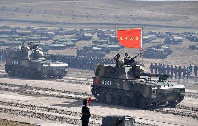Ảnh: Tổng thống Putin xuất hiện tại cuộc tập trận lớn nhất của Nga - Ảnh 2.