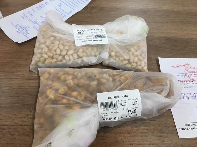 Siêu thị Auchan phân phối hạt khô chứa côn trùng - Ảnh 1.