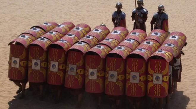 Ba kiểu dàn trận xuất sắc thời La Mã: Loại số 1 là sở trường của mãnh tướng Mark Antony - Ảnh 1.