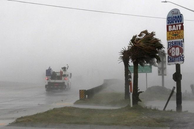Tại sao siêu bão Florence giảm cấp vẫn nguy hiểm khi đổ bộ Mỹ? - Ảnh 1.
