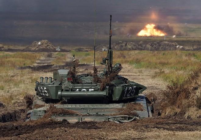Ảnh: Tổng thống Putin xuất hiện tại cuộc tập trận lớn nhất của Nga - Ảnh 7.
