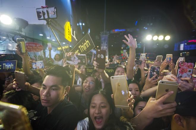 My Sói phim Quỳnh búp bê tự lái xe sang đi sự kiện, đóng băng trước Noo Phước Thịnh - Ảnh 5.