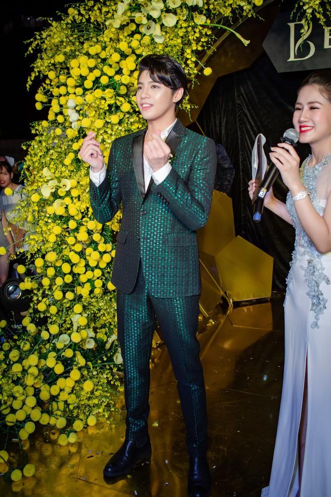 My Sói phim Quỳnh búp bê tự lái xe sang đi sự kiện, đóng băng trước Noo Phước Thịnh - Ảnh 6.