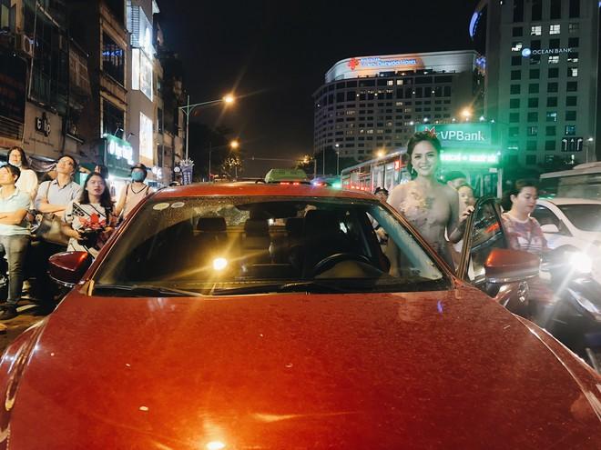 My Sói phim Quỳnh búp bê tự lái xe sang đi sự kiện, đóng băng trước Noo Phước Thịnh - Ảnh 7.