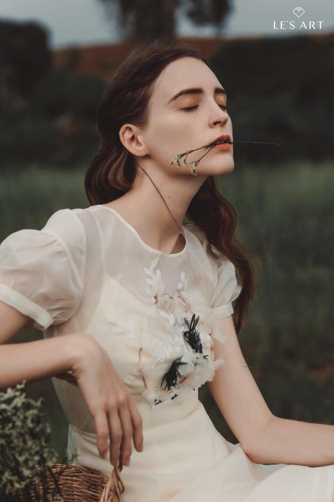 Một nhiếp ảnh gia tên tuổi bị hàng loạt người mẫu Tây tố làm việc thiếu chuyên nghiệp, gửi clip nhạy cảm để trêu đùa - Ảnh 7.