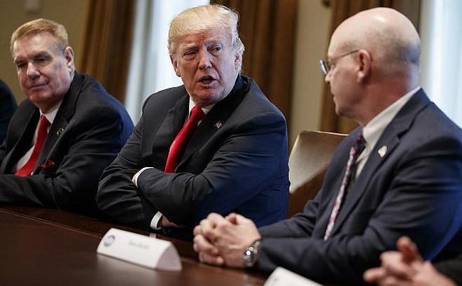 Mỹ leo thang cuộc chiến thương mại lên 'gói 200 tỉ USD', ai thực sự thiệt hại?