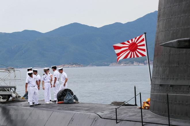 Hình ảnh tàu ngầm của lực lượng phòng vệ Nhật Bản cập cảng Cam Ranh - Ảnh 4.