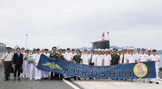 Hình ảnh tàu ngầm của lực lượng phòng vệ Nhật Bản cập cảng Cam Ranh - Ảnh 6.