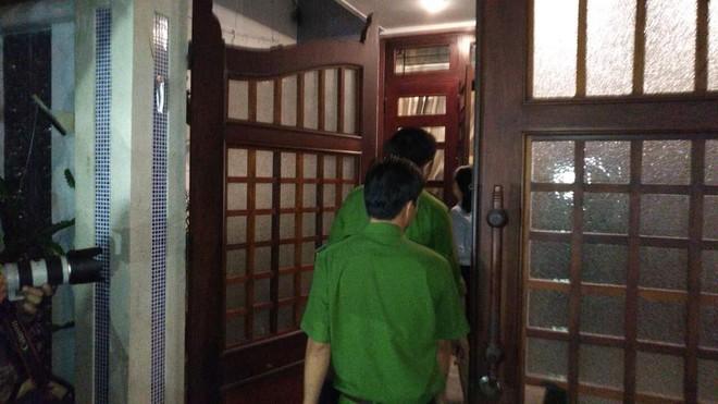 Khám xét nhà riêng nguyên Chánh Văn phòng Thành ủy Đà Nẵng Đào Tấn Bằng - Ảnh 6.