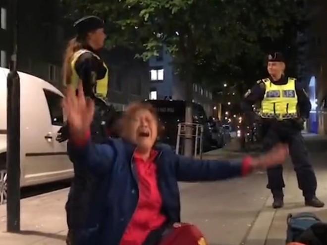 """Du khách Trung Quốc """"quậy"""" gây rắc rối ngoại giao với Thụy Điển - Ảnh 5."""