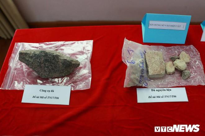 Ảnh: Xương người tiền sử trong hang động núi lửa được phát hiện ở Đắk Nông - Ảnh 17.