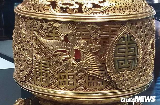 Ảnh: Rồng bay phượng múa trên cổ vật vô giá triều Nguyễn mang ý nghĩa gì? - Ảnh 8.