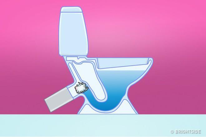 8 loại rác tuyệt đối không vứt vào bồn cầu nếu không muốn có ngày WC ngập ngụa trong nước thải - Ảnh 1.