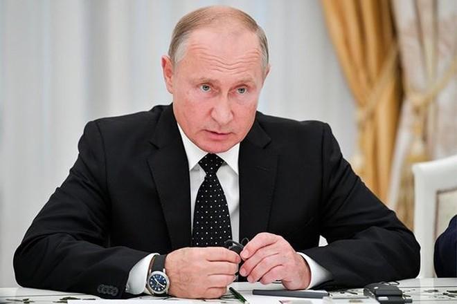 Ảnh: Cô người mẫu nóng bỏng Shapiro tố bị tình báo Nga đầu độc ở Anh - Ảnh 10.