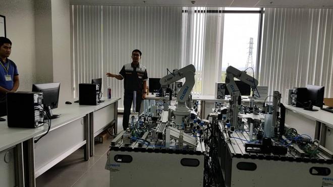 Hình ảnh ấn tượng bên trong nhà máy xe 4 bánh VinFast ở Hải Phòng - Ảnh 4.
