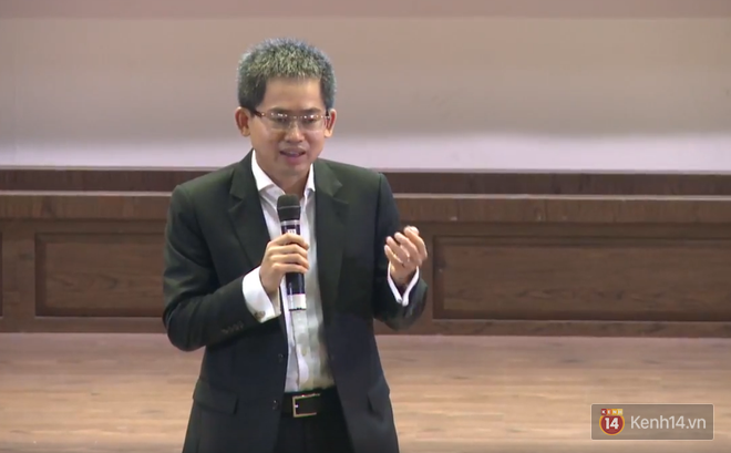 Tổng giám đốc HSBC: Muốn thành công phải kết hợp song song giữa học