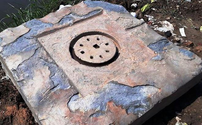 Đào móng làm cầu, công nhân phát hiện vật lạ nghi cổ vật văn hoá Chăm Pa