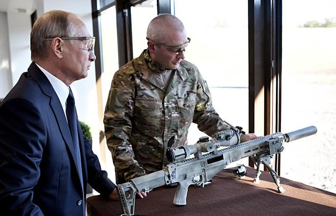 TT Putin đích thân bắn thử súng bắn tỉa mới của Kalashnikov: Kết quả đáng kinh ngạc - Ảnh 5.