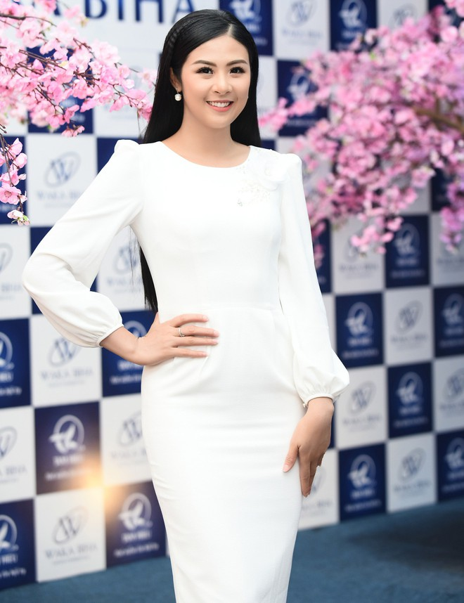 Vợ Việt Anh ăn mặc sexy, đẹp nổi bật tại sự kiện - Ảnh 6.