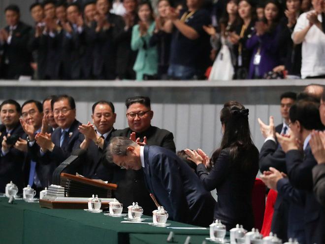 Khoảnh khắc đi vào lịch sử: Những sự kiện chưa từng có tiền lệ trong chuyến thăm Triều Tiên - Ảnh 14.