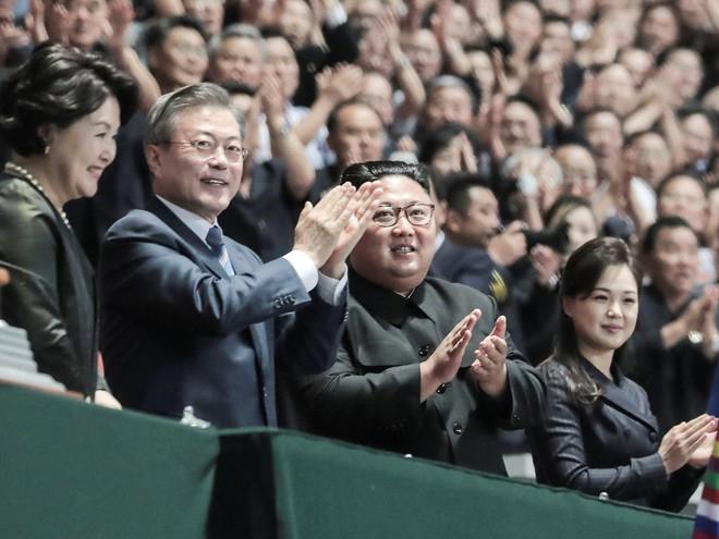Khoảnh khắc đi vào lịch sử: Những sự kiện chưa từng có tiền lệ trong chuyến thăm Triều Tiên - Ảnh 15.