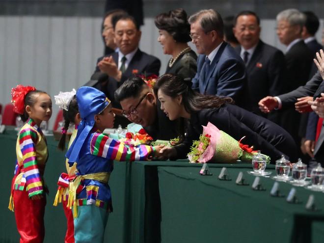 Khoảnh khắc đi vào lịch sử: Những sự kiện chưa từng có tiền lệ trong chuyến thăm Triều Tiên - Ảnh 18.