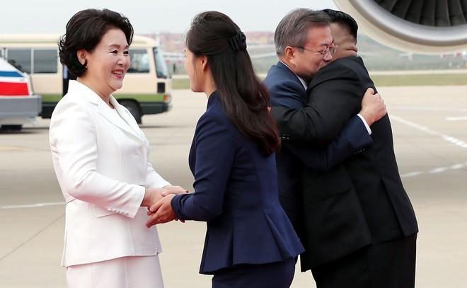 Khoảnh khắc đi vào lịch sử: Những sự kiện chưa từng có tiền lệ trong chuyến thăm Triều Tiên - Ảnh 3.