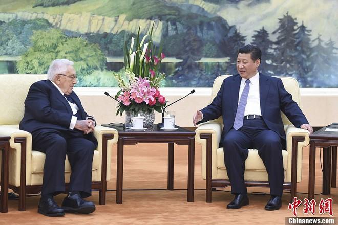 Chiến tranh thương mại Trung-Mỹ: Học giả TQ mừng ra mặt vì câu nói đỡ của ông Kissinger - Ảnh 1.