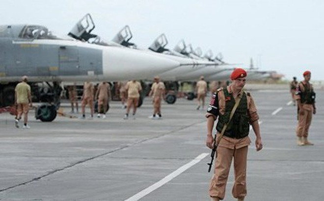 """Hai căn cứ quân sự Nga ở Syria có """"động thái lạ"""" trước cả khi Il-20 bị bắn"""