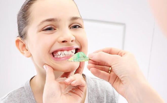 Chỉnh răng cho trẻ khi nào?