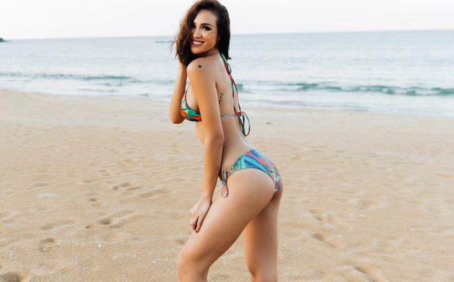 Ảnh bikini bốc lửa của siêu mẫu nổi danh một thời - Phương Mai