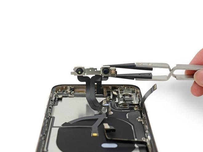Mổ iPhone XS Max và XS: Phát hiện nhiều chi tiết Apple chưa từng đề cập - Ảnh 27.