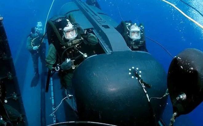 """Anh trang bị """"tàu ngầm mini"""" cho đặc nhiệm hải quân"""