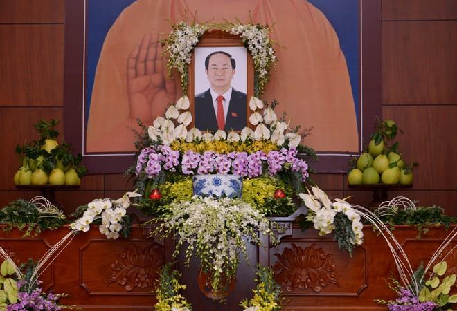 Tăng ni, phật tử TP HCM cầu nguyện, tưởng niệm Chủ tịch nước Trần Đại Quang - Ảnh 3.