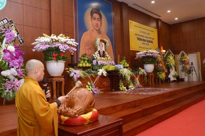 Tăng ni, phật tử TP HCM cầu nguyện, tưởng niệm Chủ tịch nước Trần Đại Quang - Ảnh 6.