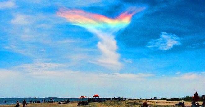 Những đám mây kỳ quặc có thể bạn không tin vào mắt mình - Ảnh 6.