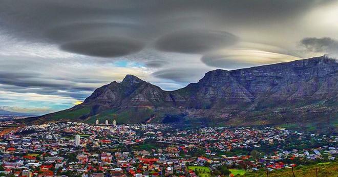 Những đám mây kỳ quặc có thể bạn không tin vào mắt mình - Ảnh 8.