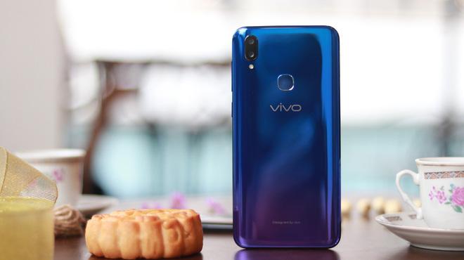 5 phút sạc, 3.8 giờ liên lạc: Vivo V11i đang là smartphone siêu tiện dụng  - Ảnh 4.