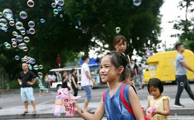 Hà Nội và miền Bắc tiếp tục nắng đẹp ban ngày, đêm có mưa vài nơi
