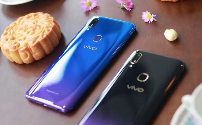 5 phút sạc, 3,8 giờ liên lạc: Vivo V11i đang là smartphone siêu tiện dụng