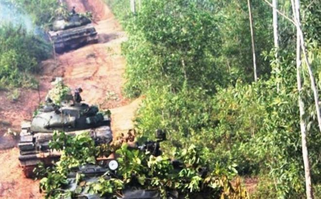 Cơn tưởng bở... làm khổ lính xe tăng Việt Nam suốt đêm