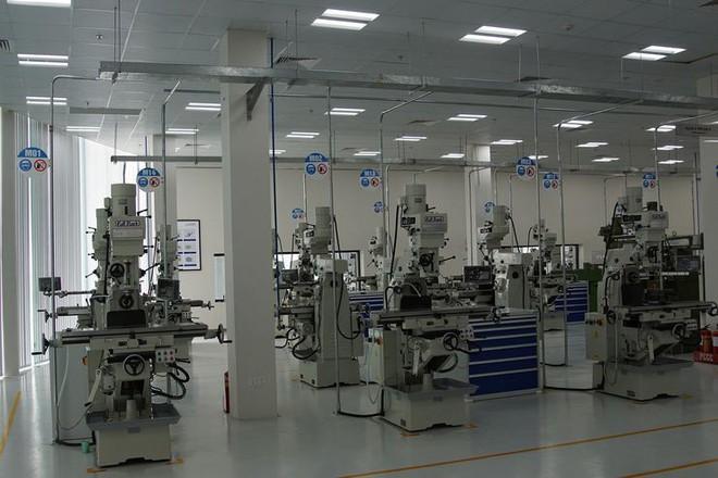 Báo Đức mở bán loạt ảnh độc nội khu nhà máy VinFast - Ảnh 6.